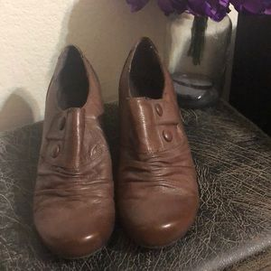BareTrap's Brown Dress Shoes Size 9